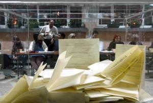 izborna-komisija-izbori-glasanje-glasacka-kutija-glasacki-listic-1336225739-158028