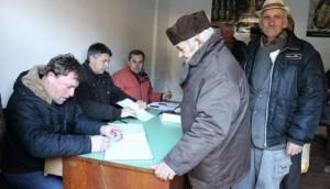 573413_150212-kusadak-potpisivanje-peticije_f